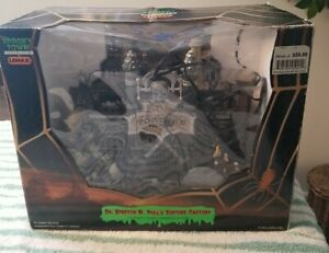 Lemax Spooky Town Dr. Stretch And Pull's Torture Factory **WORKS GREAT**