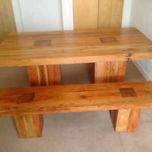 Solid wood dining table +2 benches