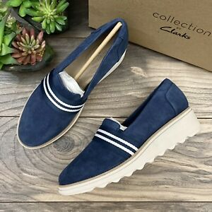 NIB Clarks Sharon Bay Low Wedge Slip On Casual Shoes Loafers Navy Suede 8M