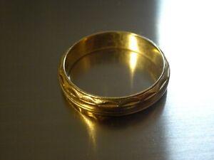 Vintage 14K Yellow Gold Wedding Band 3.78 Grams Size 6