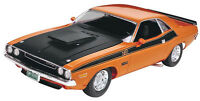 Revell '70 Dodge Challenger 2n1 1:24 scale plastic model car kit new 2596