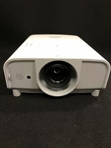 SANYO PLC-XT21 Projector - 4000 Lmn 1024X768 Res 8 Hrs On Lamp. SEE DESC JHC2