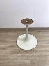 Pied tulipe table basse Knoll Saarinen