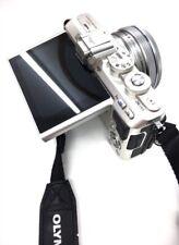 Cámara digital compacta OLYMPUS PEN Lite E-PL7 Silver + objetivo ZUIKO 14-42mm