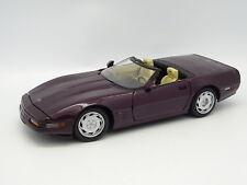 Maisto SB 1/18 - Chevrolet Corvette Cabriolet Morado