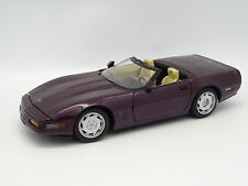 Maisto SB 1/18 - Chevrolet Corvette Cabrio Viola