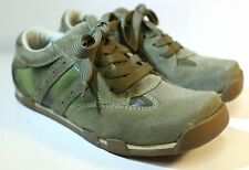 Women's Wild Pair Green Suede Tennis Shoes Sneakers size 5.5