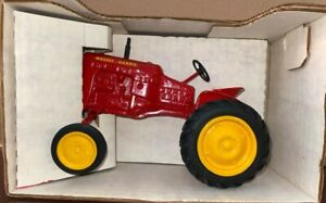 Pioneer Collectibles Massey Harris Pony 1986 Toy Tractor Times 1/16 1986 NIB
