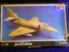 Starfix DOUGLAS A-4F SKYHAWK 1/72 Plane Kit