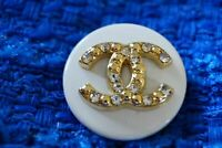 1 One  Authentic Chanel Button 1 pieces white  &  gold  logo cc 💋 0,9 inch