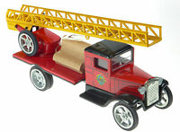 HAWKEYE VINTAGE STYLE FIRE TRUCK WITH TURNTABLE EXTENDABLE  LADDER EUROPEAN MADE