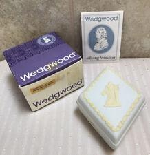 Wedgwood Jasperware Collectors Society Primrose Yellow White Diamond Candy Box