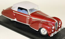 Signature 1/18 Scale - 18122 1947 Delahaye 135M Red Cream roof Diecast Model Car
