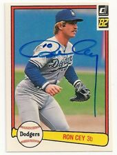 RON CEY - SIGNED/AUTO/AUTOGRAPH ON A 1982 BASEBALL CARD - LOS ANGELES DODGERS
