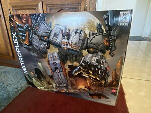 SDCC Exclusive Hasbro Transformers Generations Titan Class Metroplex NEW MIB