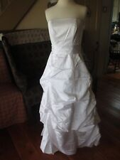 6 David's Bridal white strapless ruched full-length belted w/ bow wedding dress