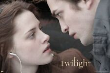 TWILIGHT EDWARD AND BELLA WITH EAR BUDS POSTER 34X22 NEW  FREE SHIP