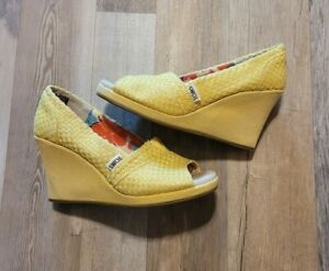 TOMS Yellow Fabric Wedge Heel Peep Toe Shoes Size 6