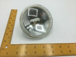 4546 General Electric Sealed Beam 4.7 Volts 0.5 Amps SK33201130JE