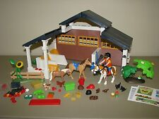 PLAYMOBIL 5877 HORSE STABLE FARM Animals  nearly Complete