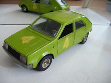 "Bburago burago Renault 14 TL ""4"" in Green on 1:24"