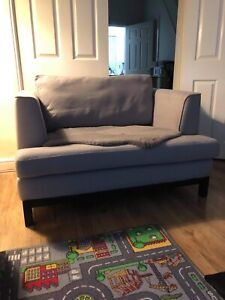 dfs french connection flint cuddler chair