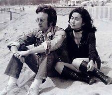 John Lennon and Yoko Ono  10x 8 UNSIGNED photo - P555