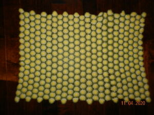 "Vintage Daisy Crochet Afghan Blanket Throw Dimensional Flowers 31"" x 45"" Lap"
