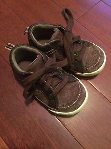 Stride Rite Boys Brown Suede Preston Sneakers US SIZE 6.0 M Very good Condition