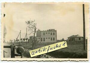 Foto: Fahrzeuge der Gruppe Tannenberg am Zollhaus in Westenhausen in Polen 1939