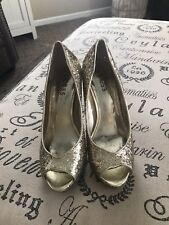 Guess Gold Bling Peep Toe Heels Size 7