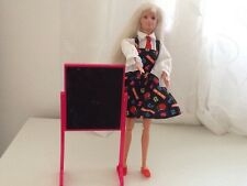 Profesor De Muñeca Barbie Vintage 1993 con tiza Board 2006