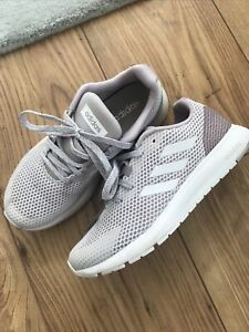 Adidas  trainers Size 4 . Ladies Trainers . Exc Con . White Mesh  / Lilac