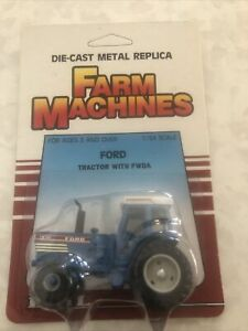 Die-Cast Replica Farm Machines 896FO 1:64 Scale Ford Tractor With FWDA