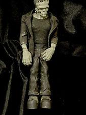 """Mezco Universal Monsters Frankenstein Monster 9"""" Action Figure OOB Loose"""