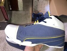 DS CONVERSE DWYANE WADE 1.3 Mid Navy White Yellow bnib Size 9 Marquette
