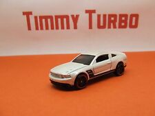 HOTWHEELS FORD MUSTANG 2010 GT IN PEARL WHITE RED WHEELS 75 MM LONG