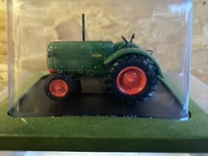 Hachette 1/43 Scale Model Tractor HT067 - 1947 Oliver Standard 70 - Green