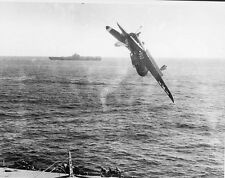 WWII Photo US Navy Dive Bomber Aircraft Carrier Crash  World War 2 WW2 / 5134