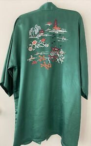 Vintage Chinese Emerald Green Silk Hand Embroidered Lounge Jacket