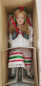 "Dolls Of The World Danbury - Sophie Poland - Porcelain 9"" Doll W Stand MIB & COA"