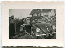 Orig. Foto AUTO VW Käfer Schiebedach HOFHEIM vor Haus 50er Ja.