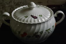 Vintage Tureen  Made in Japan Japanese China/Porcelain Fluted panels. Used