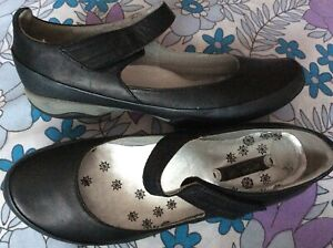 Clarks black & pewter leather Privo low heel Mary Jane sporty shoes pumps 5 38
