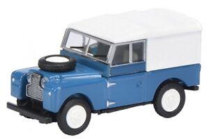 26275 Schuco 1:87 Land Rover 88 blau geschlossen
