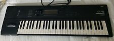 KORG 01W WORKSTATION KEYBOARD WITH FREE CASE. SYNTHESIZER VERY GOOD CONDITION