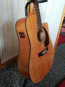 Simon and Patrick CW acoustic Spruce Electric Dreadnought 6 String guitar