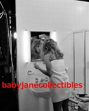 FARRAH FAWCETT RARE BATHROOM photo on TV PRODUCTION SET (106)