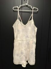 Kendall + Kylie White Floral Jumper Size M
