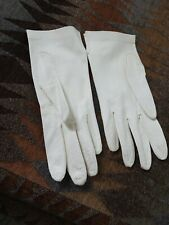 Vintage Smooth Soft Doeskin or Kid Leather Gloves Ladies Gloves Size 7 small